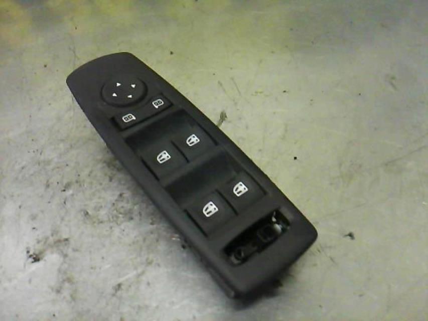 interrupteur de leve vitre renault megane iii phase 1 diesel. Black Bedroom Furniture Sets. Home Design Ideas