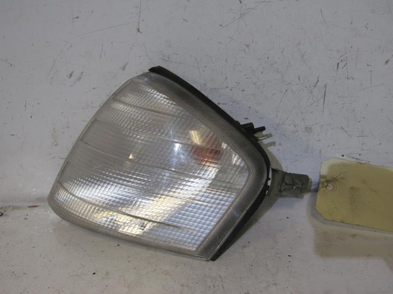 Optique avant secondaire gauche (feux)(clignotant) MERCEDES CLASSE C - BM  202 PHASE 1 ESSENCE 7b7cd0f07e56