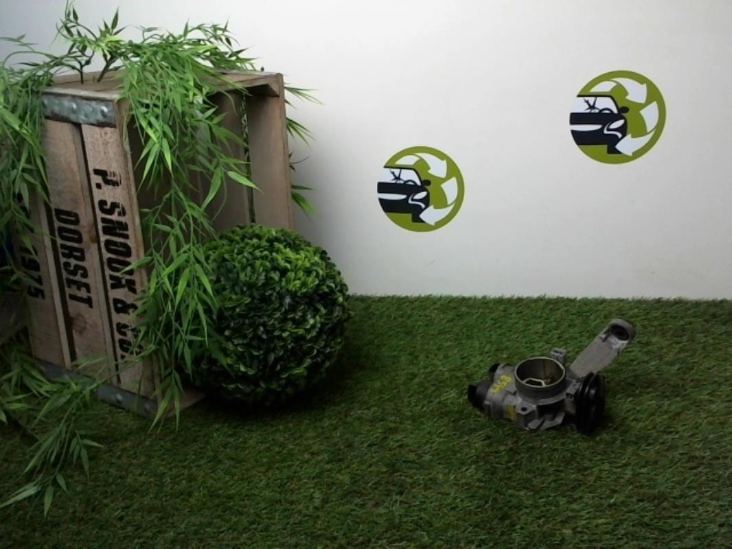 boitier papillon renault clio ii phase 1 essence r. Black Bedroom Furniture Sets. Home Design Ideas