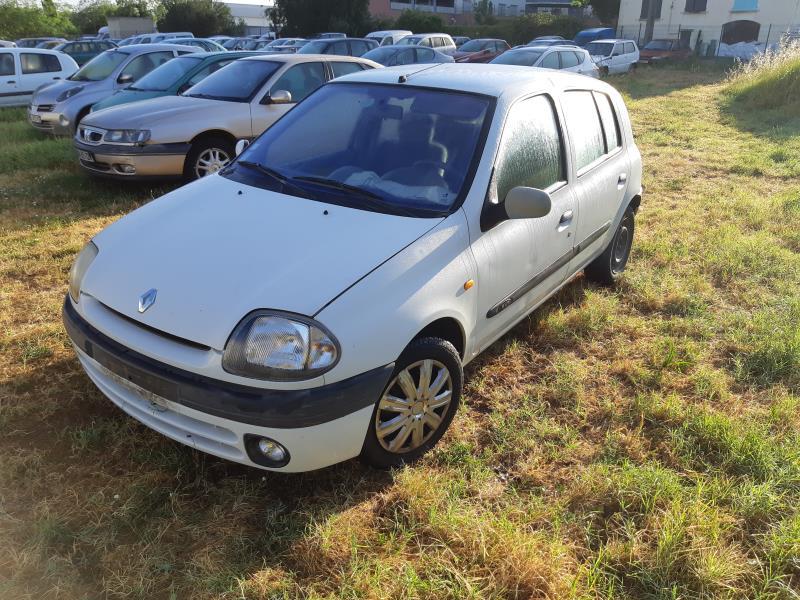 Boite Fusibles Compartiment Moteur D Occasion Pour Renault A